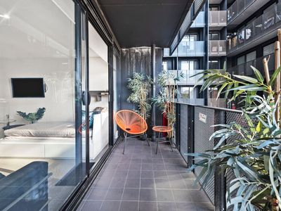 Photo for A Classic 2BR Family Getaway in Melbourne CBD