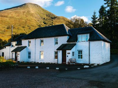 Photo for Beautiful Scottish cottage with mountain views and wood burning stove