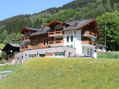 Photo for Relaxing Apartment in Saalbach-Hinterglemm with Ski Storage