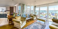 Grant and Ellen's apartment is perfectly appointed and situated in Cowes.