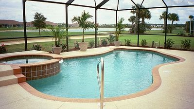 Private Pool and Jacuzzi heated & Lake View