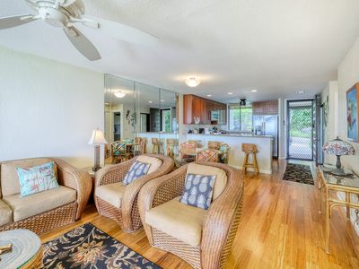 Photo for Ground floor unit w/ golf and ocean views, three pools and tennis on site!