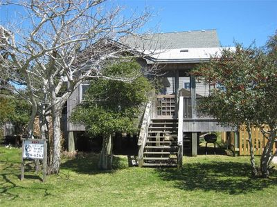 Photo for Sea Shack: Pet friendly cozy cottage located on a private lane.