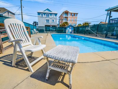 Photo for Good Times and happy vibes this vibrant location is sure to pep you up with beach and pool access.