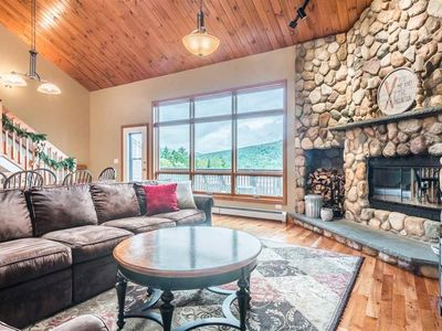 V3 Gorgeous SKI-IN Mountain View Townhouse with great views in Bretton Woods. Fast wifi!