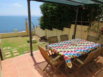Photo for 6. Apartment with incredible views of the Bay of Roses with community pool.