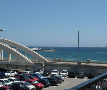 Photo for T2 sea view air conditioning 38m2 + 8m2 terr. 2nd étg with asc. sea / city center at 100m WIFI.