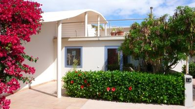 Photo for Large bungalow w/private pool, few min. from the sea, protected inner courtyard.