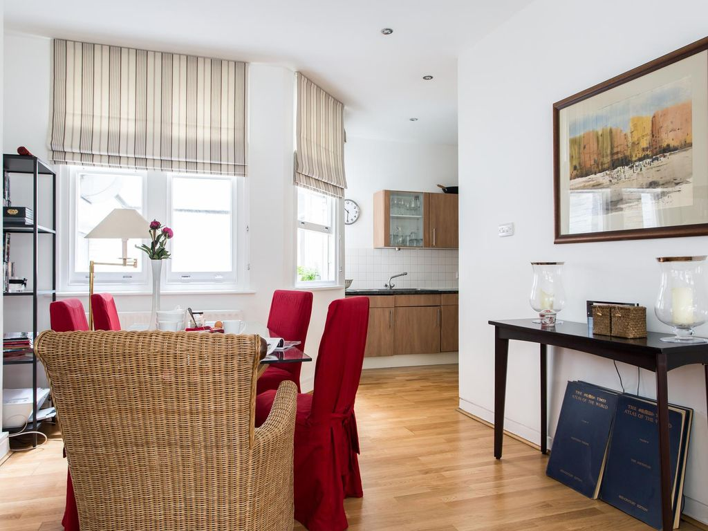 Carter Lane - luxury 2 bedrooms serviced apartment - Travel Keys