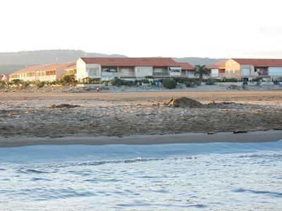 Photo for Apartment with fantastic sea view right on the beach, WIFI, parking