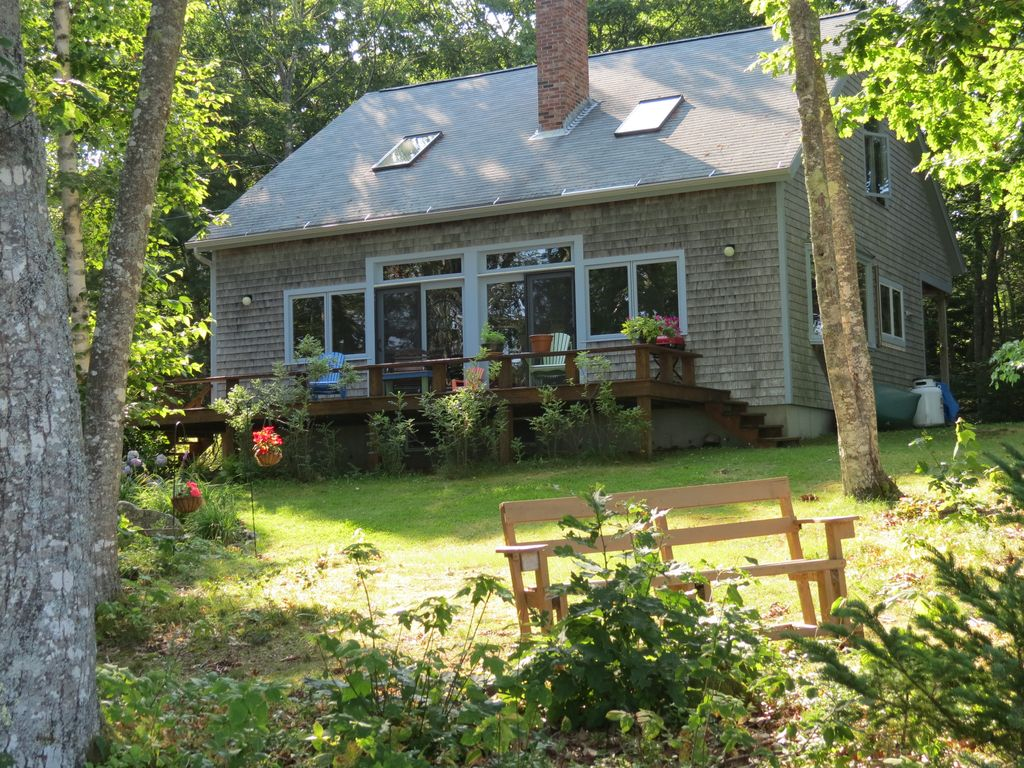 Beautiful maine coast vacation cottage vrbo for Cabin rentals in maine with hot tub