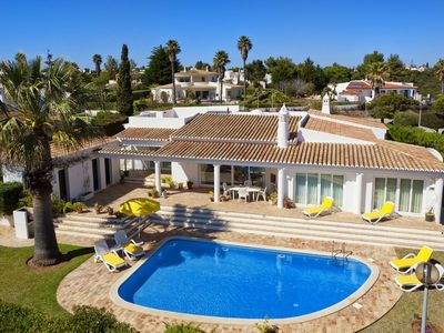 Photo for Spacious villa for 6 people, private pool, satellite TV, WiFi, sea view