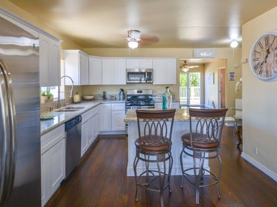 [NEW]Great Deal!Private Family Home w yard.15 min to all. 2 miles to Marina Park
