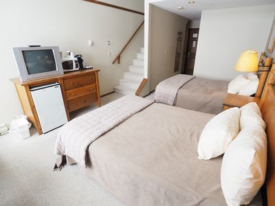 Photo for Mountainside 4th floor loft with access to hot tubs