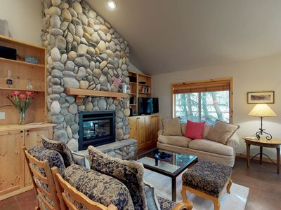 Photo for Condo w/patio & shared hot tub - near bike path, 1 mile to lifts!
