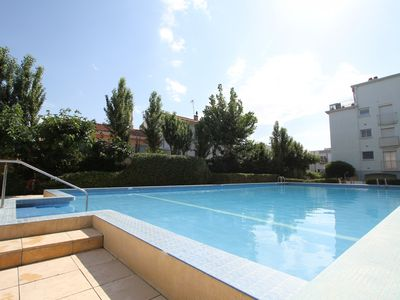 Photo for 1 Bedroom appartment with swimming pool and near the sea