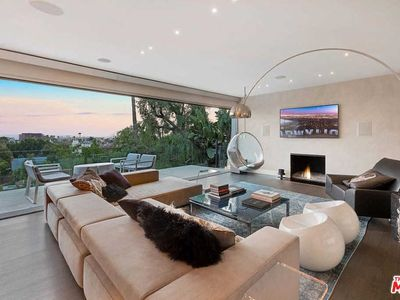 Photo for Furnished Modern architectural w/ stunning VIEWS