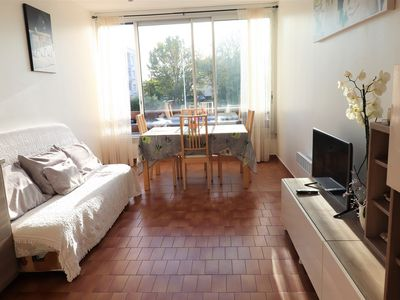 Photo for Charming 2 rooms with mezzanine 6 people near sea and shops parking