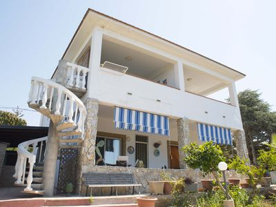 Photo for Comfortable independent villa three minutes from the sea on foot