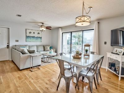"Photo for Beachwood Villas - ""Beach Please!"" - 3 BR / 2 BA - Sleeps 8"