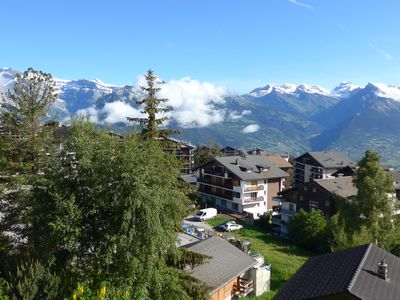 Photo for 1 1/2 room apartment, splendid view, 2min walk from the gondola.