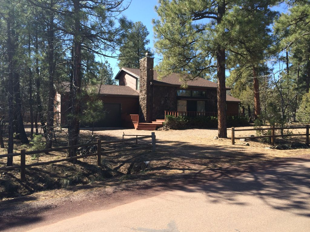 Spacious 4 bedroom fully equiped home on be vrbo for Az cabin rentals with hot tub