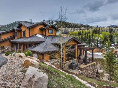 Photo for Stunning Park City VRBO Home 6 Min from Ski and Silverlake Village!