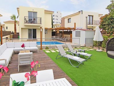 Photo for Lovely apartment for 6 guests with A/C, WIFI, private pool, TV and parking