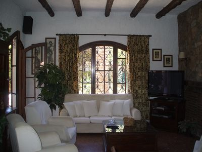 Photo for Quiet House, delightful and confortable with free wifi.