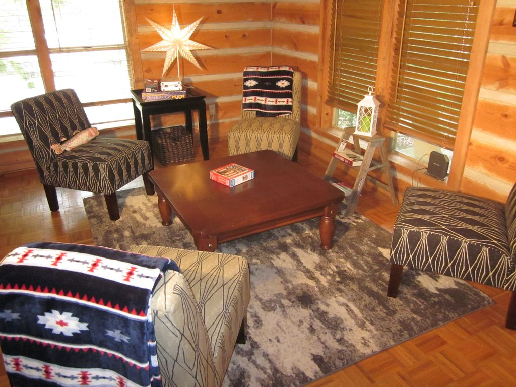 cabins indoor chattanooga rentals friendly cabin tub rent hot pet with interior pool for