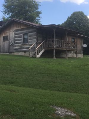 Rustic cabin over looking Cordell Hull Lake