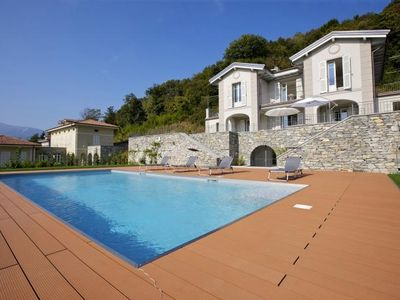 Photo for Detached and exclusive 7½-room luxury villa with pool and dream lake view