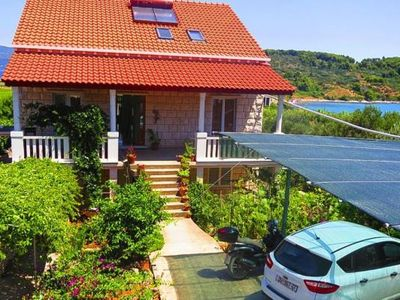 Photo for Apartments Lumbarda Beach, Lumbarda  in Korcula - 4 persons, 1 bedroom
