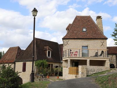 Photo for Le Gîte du Passeur, charming house on the banks of the Dordogne.