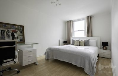 Photo for Dashing 2bed Apartment in King's Cross 9923