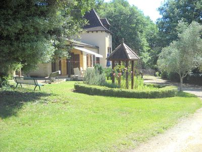 Photo for CHARMING COTTAGE WITH HUGE GARDEN AND PRIVATE FENCED POOL 500m FROM BEYNAC