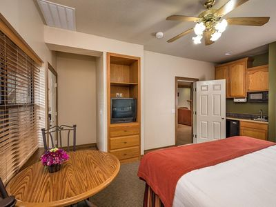 Photo for FAMILY VACATIONS START AT WESTGATE BRANSON WOODS - 1 King Bed Studio