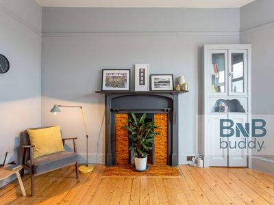 Photo for Ultra Stylish City Centre 1-Bedroom Apartment