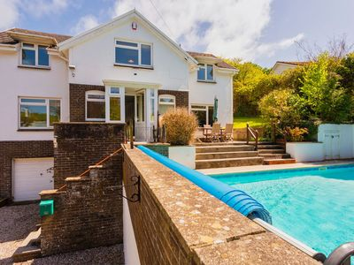 Photo for GEORGEHAM MEADOWBANK | 4 Bedrooms | Sleeps 10 | Heated Swimming Pool | Pets