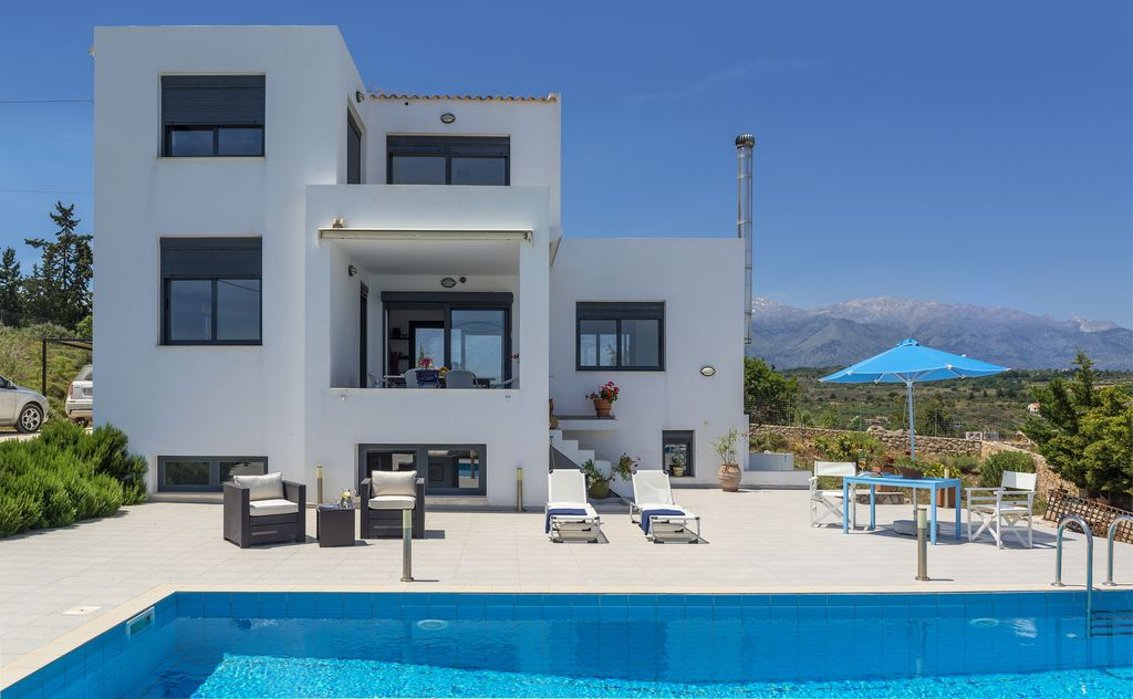 Villa treppenhaus modern  VILLA LEFKI: Villa with Pool For up to 8 persons. Excellent Sea ...