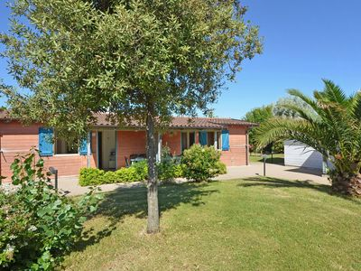 Photo for Well-kept bungalow with AC on the beautiful Adriatic coast