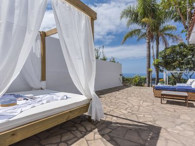 Photo for Villa with Balinese Bed and views to Puerto de la Cruz and the sea, free wifi