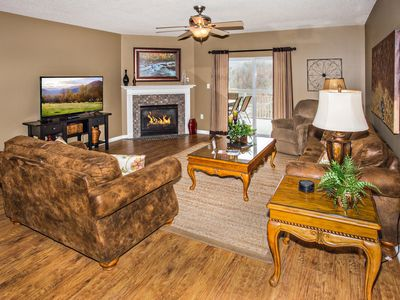 4 BR, Mtn View, Virtual Arrival, Exceptionally Clean, Hardwood