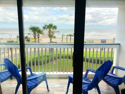 FRONT Facing-Top Floor! Heated Pool and Free Activities! Beachfront Paradise! #304