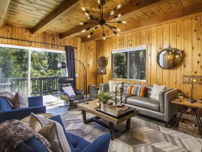 Modern Luxe Cabin | Stunning 3 Level 2,000 sqft Home, Treetop View, In Village