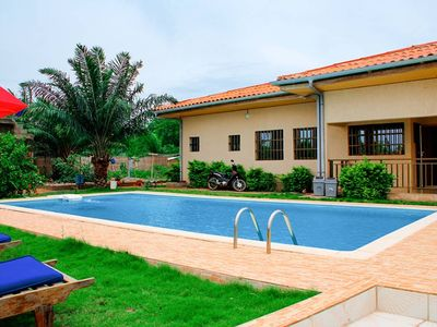 Photo for Luxury villa with swimming pool 35 km from Lomé on the road to Kpalimé