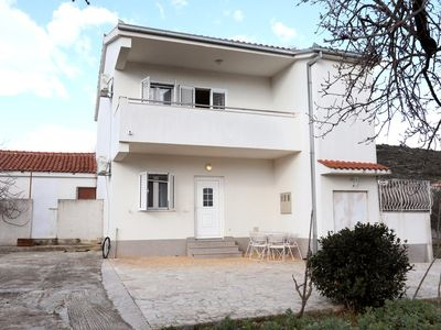 Photo for Apartment in Vinišće (Trogir), capacity 4+4