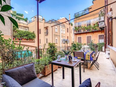 Photo for Deluxe Three-Bedroom Apartment with terrace - at the Spanish Steps