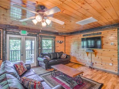 Photo for Pine Tree Lodge, 8 Bedrooms, Pool Table, Theater, Hot Tub, WiFi, Sleeps 36