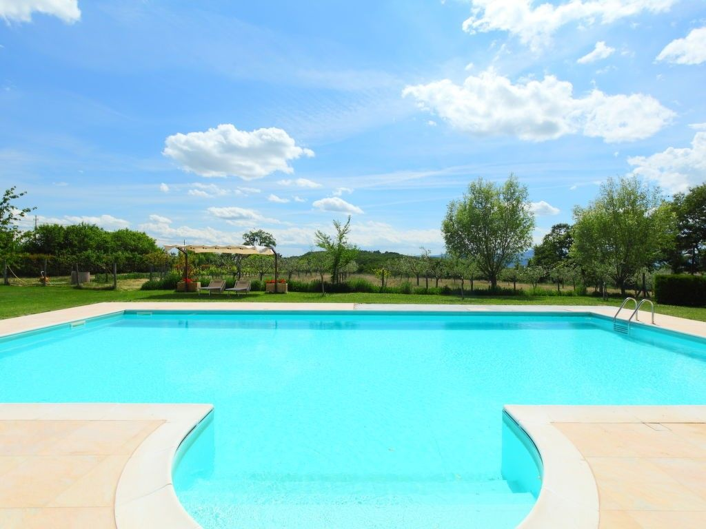 apartment in acquapendente with internet pool parking garden